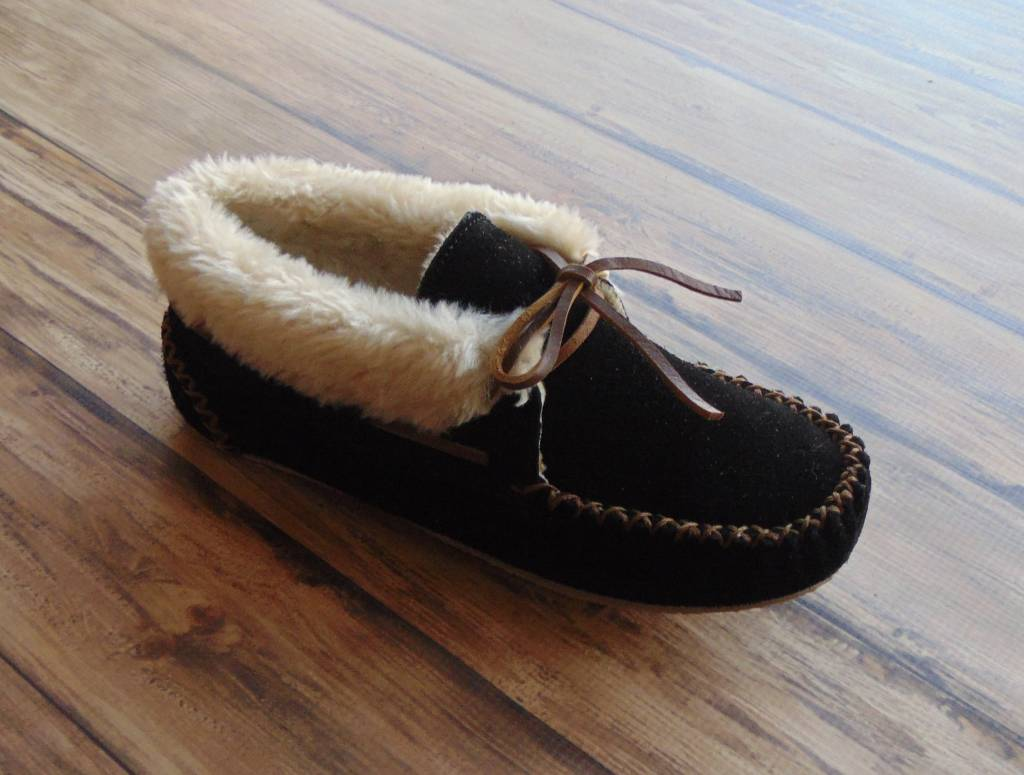 "Minnetonka Moccasins ""Chrissy Slipper"""