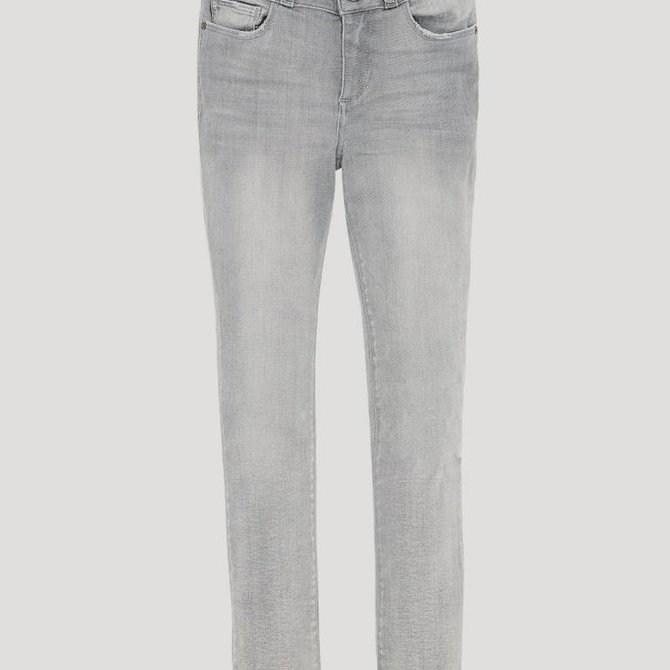 DL1961 Chloe Jeans (Grey) Frayed Hem