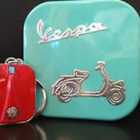 Lifestyle Keychain Vespa Legshield Red