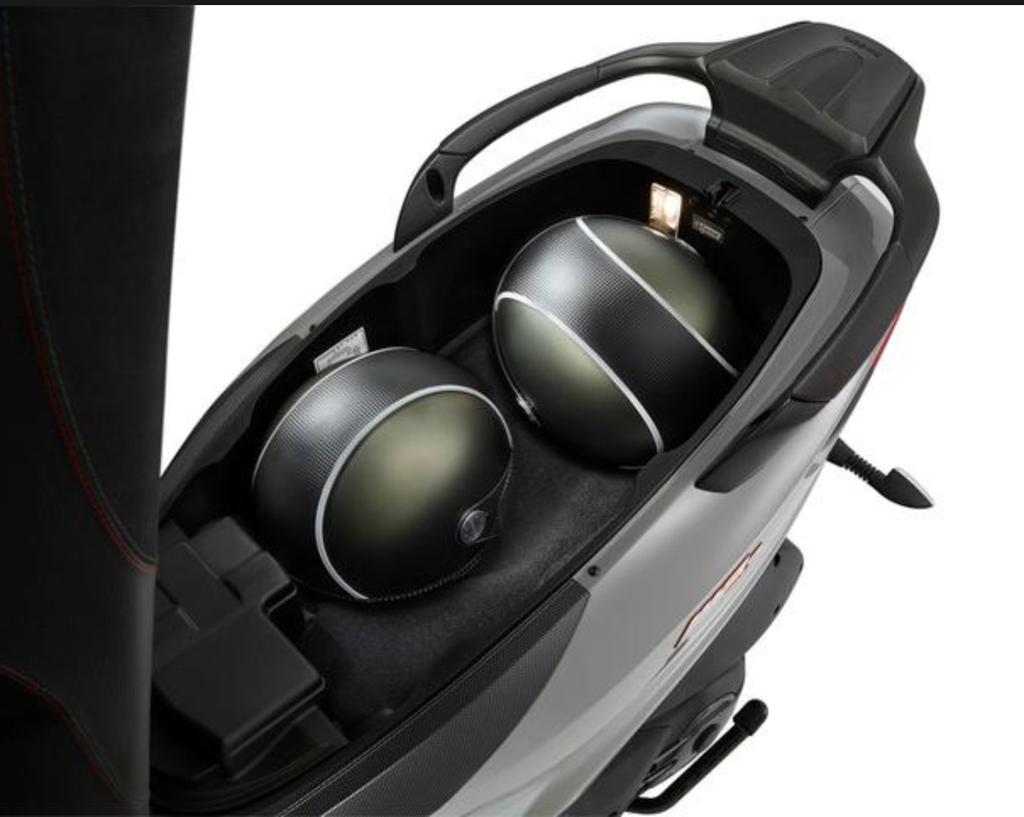 Vehicles Piaggio, 2020 MP3-500 HPE Sport LT ABS/ASR Black
