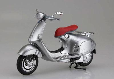 Lifestyle Toy, Vespa 946 Silver 1:12 Scale