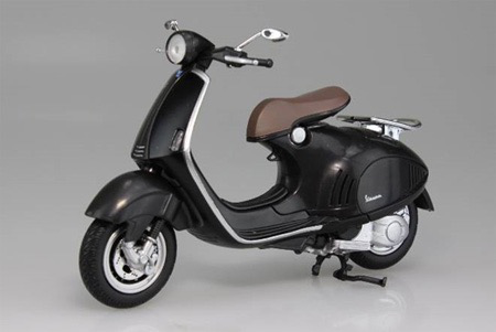 Lifestyle Toy, Vespa 946 Armani 1:12 Scale