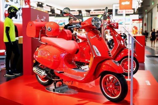 Vehicles Vespa, 2021 Primavera 50 (RED) Edition