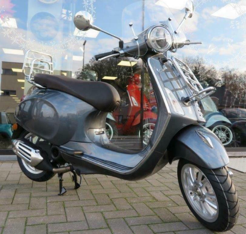 Vehicles Vespa, 2021 Primavera 50 i-GET Touring Grey