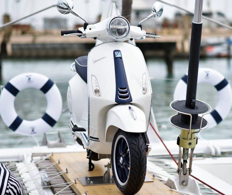 Vehicles Vespa, 2020 Primavera 150 i-GET Yacht Club II Edition