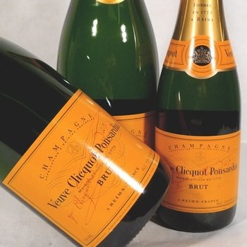Veuve Clicqout Veuve Clicquot Brut Yellow Non-Vintage Champagne<br />