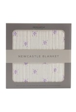 Newcastle Watercolor Star and White Newcastle Blanket
