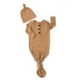 Gigi & Max Gigi & Max Camel Knotted button newborn gown and hat
