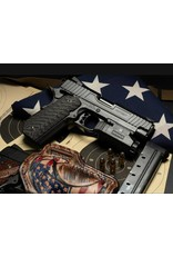 Carolina Arms Group Carolina Arms Group Patriot 9mm Commander Black PVD 25LPI Checkering FS&MSH Bull Barrel Bobtail Custom Carbon Fiber Grips 2-Magazines