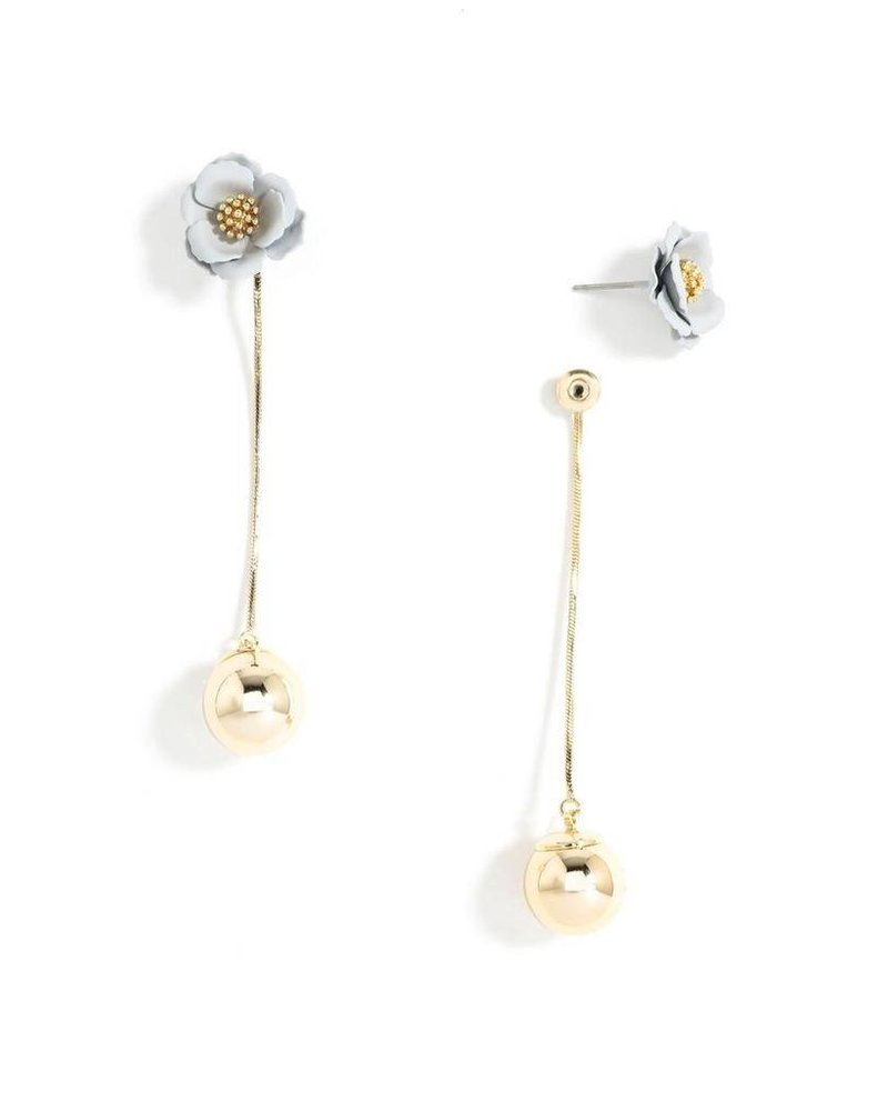 Flower Bud Earrings In Light Grey