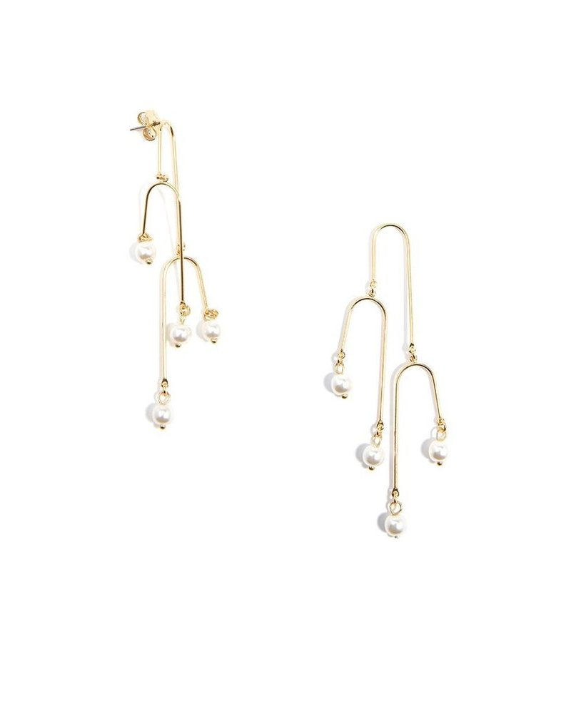 Three Tier Pearl Earrings In Gold