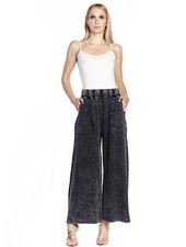 Aratta Aratta's She Does Not Care Knit Pants In Charcoal