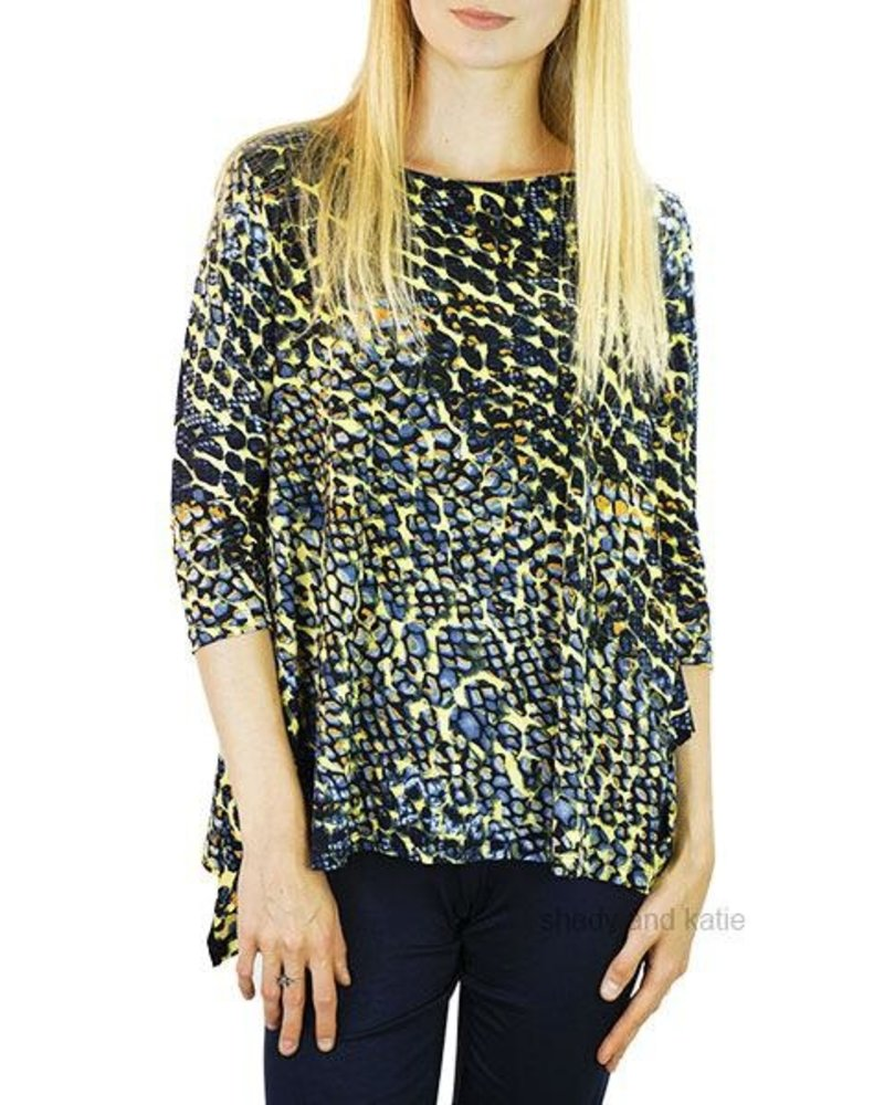 151b531789c Comfy's Vancouver Tunic In Abstract - Shady and Katie