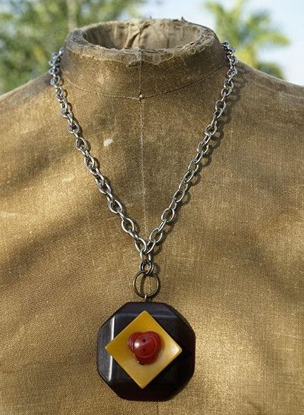 Vintage Bakelite Buttons Necklace-Brown Gold & Red