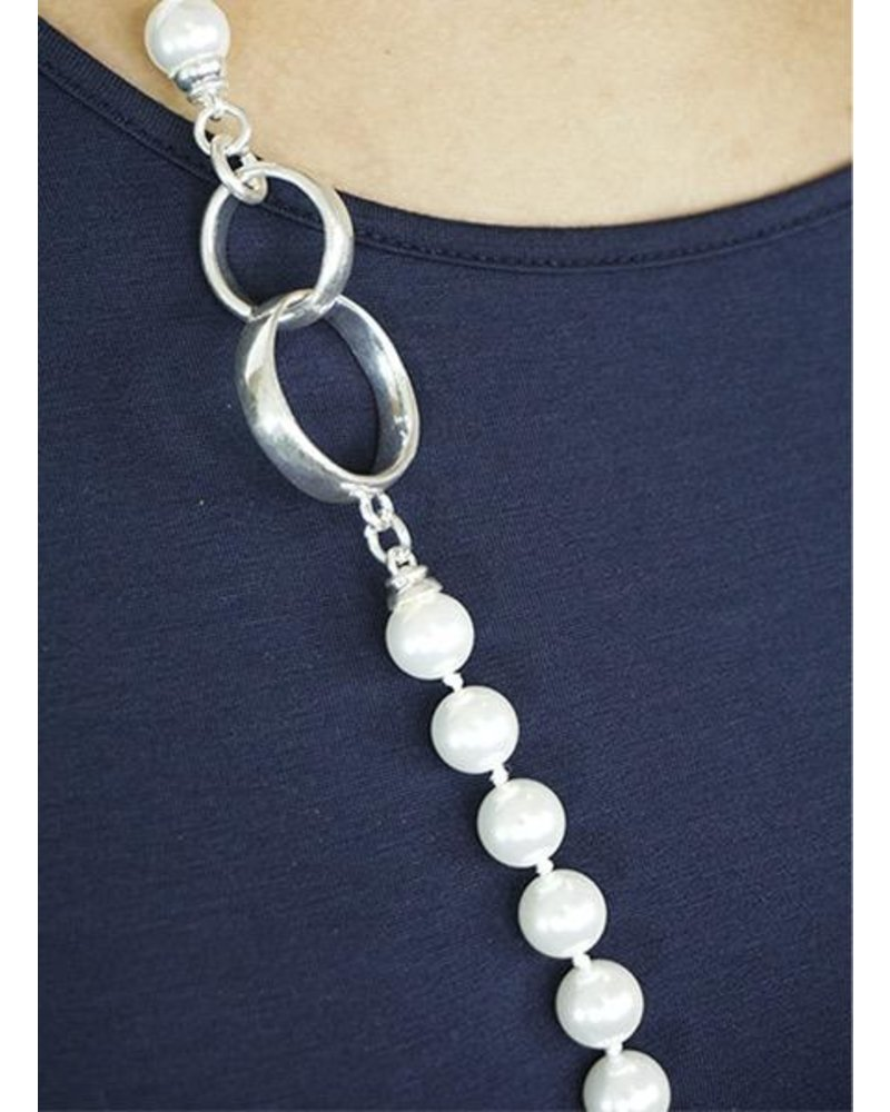 Ring & Pearl Necklace
