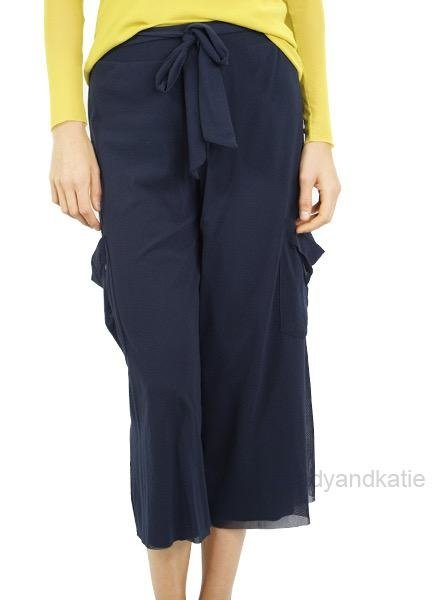 Petit Pois Cropped Wide Leg Pant In Navy