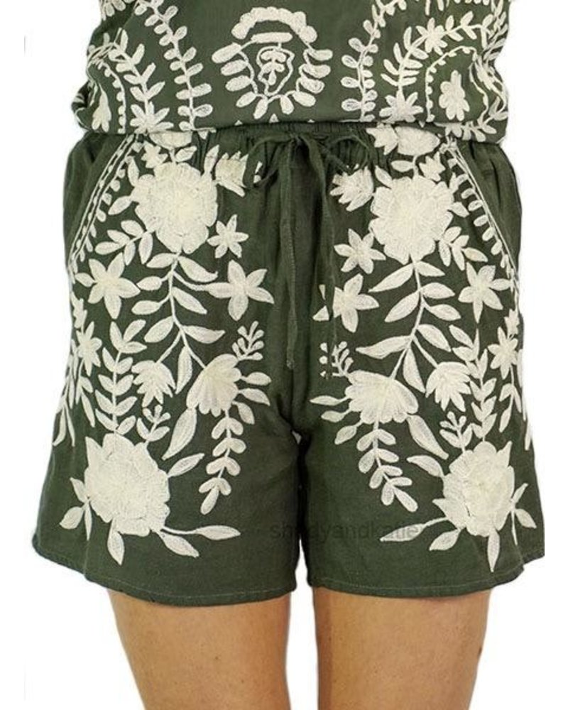 Jewel Shorts In Olive