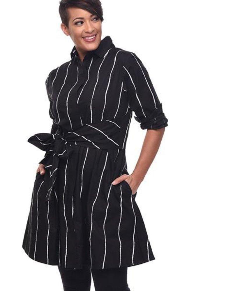 https://cdn.shoplightspeed.com/shops/607563/files/15893078/800x1000x2/tulips-ronnie-tunic-dress-in-static-stripe.jpg