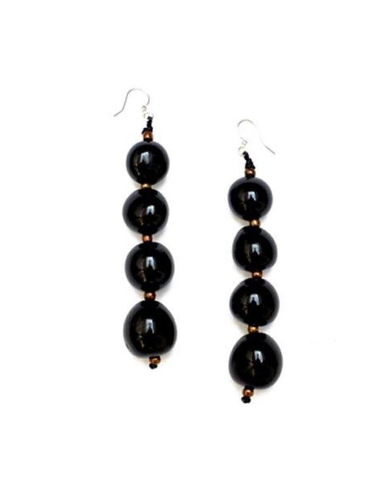 Organic Tagua Tagua Bombom Earrings In Oynx