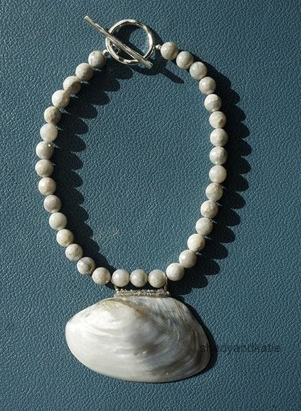 Martha Bennett Martha Bennett Gray River Clam With Labradorite