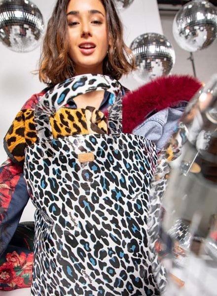 Consuela Consuela Grab n' Go Legacy in Lola Snow Jag