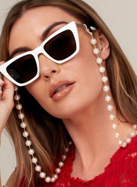 Zenzii Chunky Pearl Eyeglass Chain