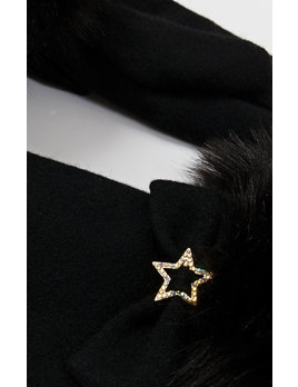 Star Detail Gloves