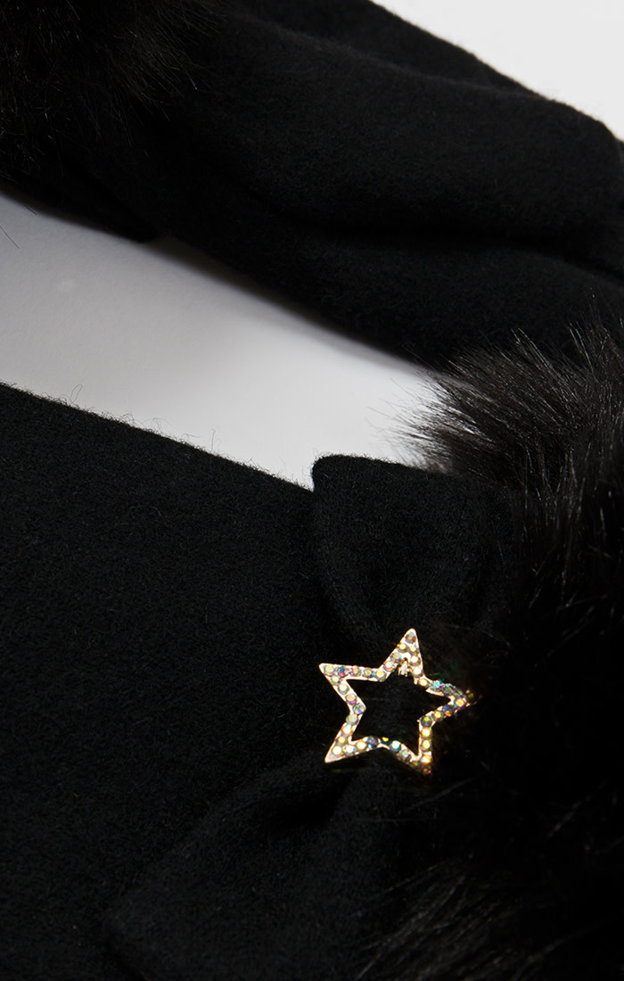 Star Detail Gloves