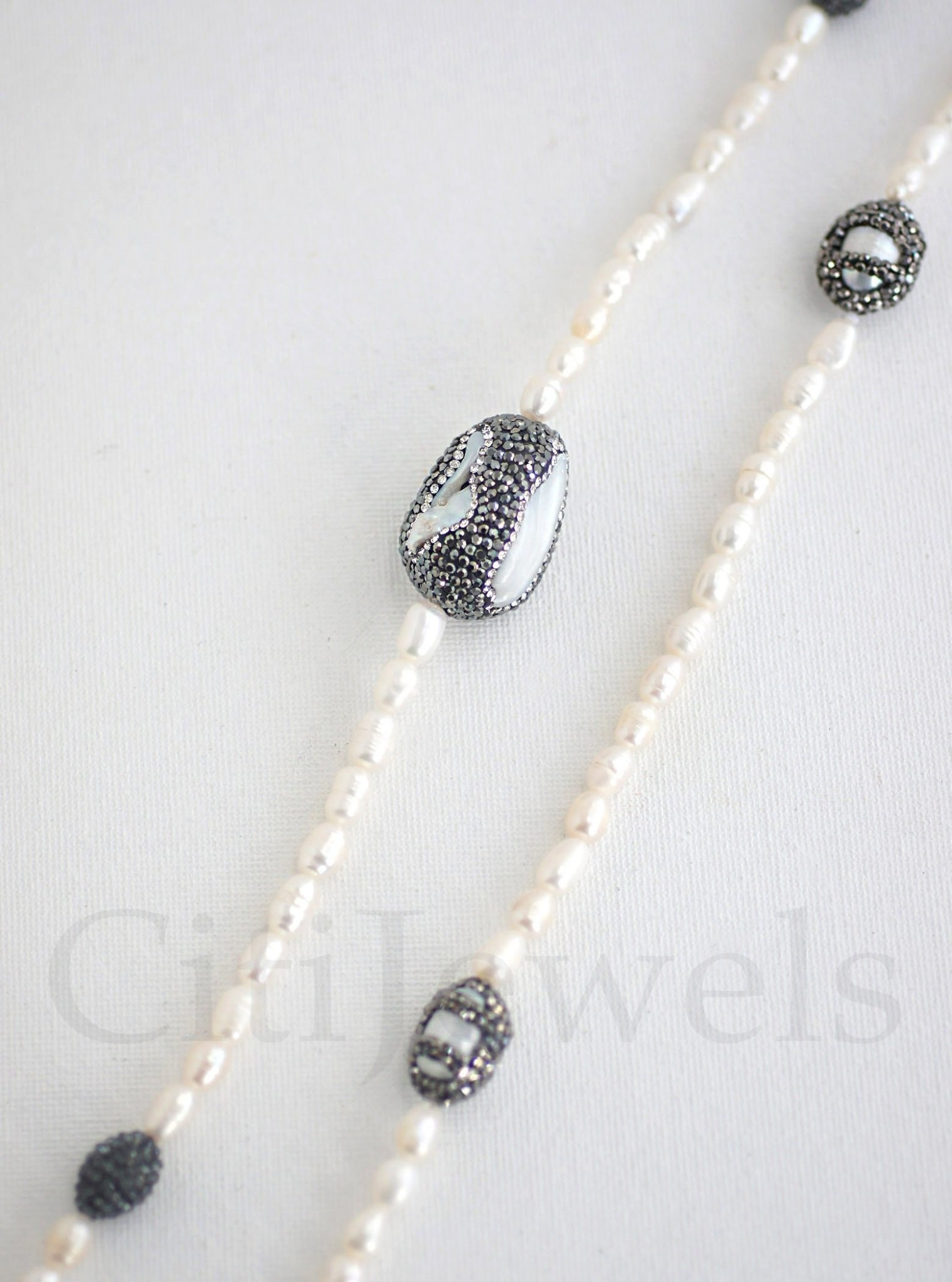 """Oval Pearl 40"""" Crystallized Necklace"""