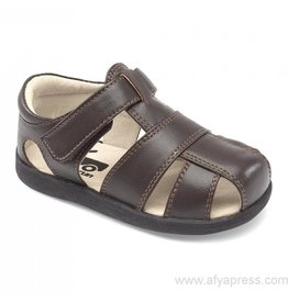 See Kai Run Size 4 Jude Brown Sandal
