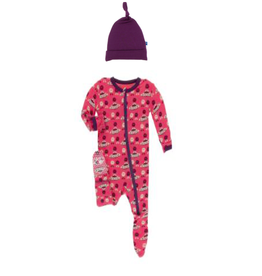 Kickee Pants Print Classic Ruffle Footie with Zipper + Winegrapes Hat, Red Ginger Aliens with Flying Saucers  0-3M