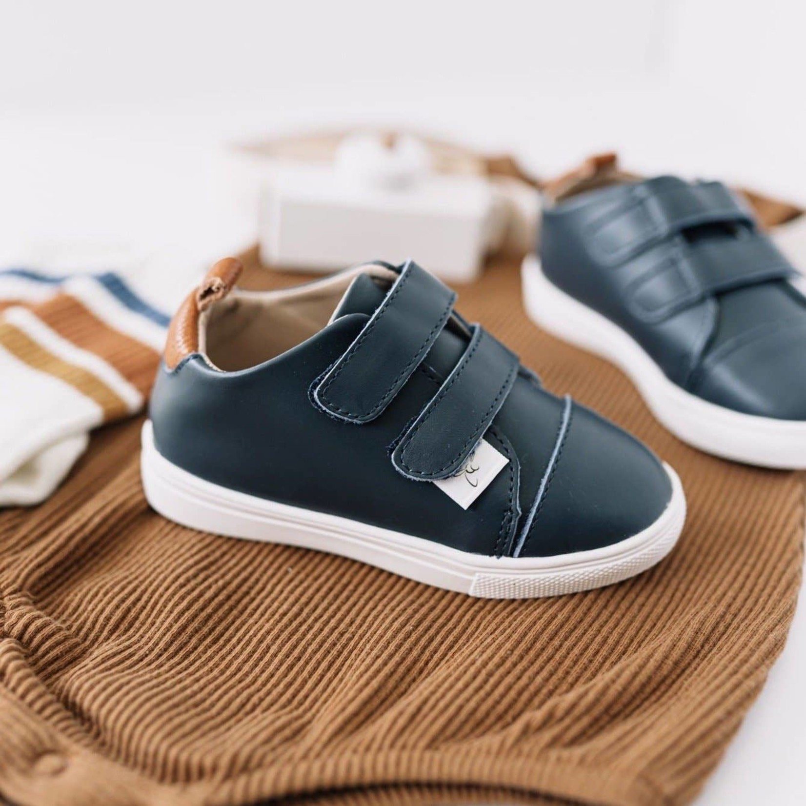 Little Love Bug Company Casual Navy Low Top: 10 (Low Profile Tennis Shoe Sole)