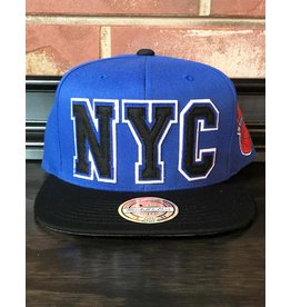 Mitchell & Ness NEW YORK KNICKS RETAGGIO 110FLEX SNAPBACK