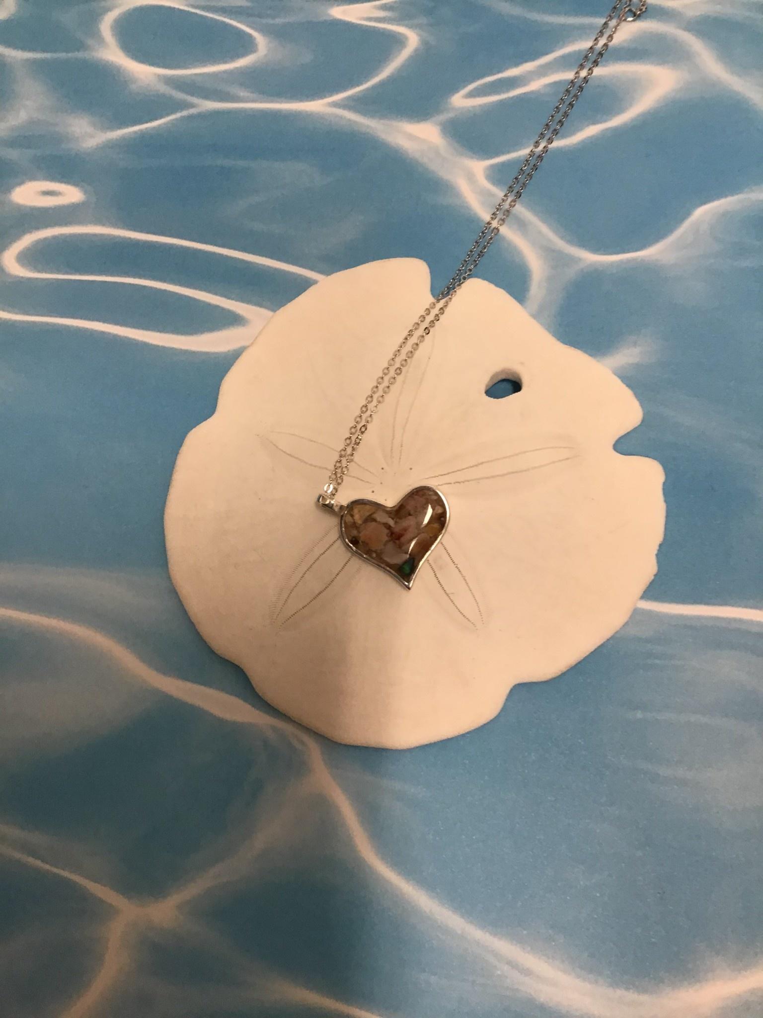 "Tilted Heart Necklace SS 16-20""Adj"