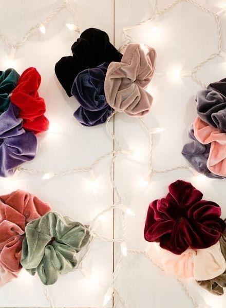 MIsc Oversized Velvet Scrunchie Set