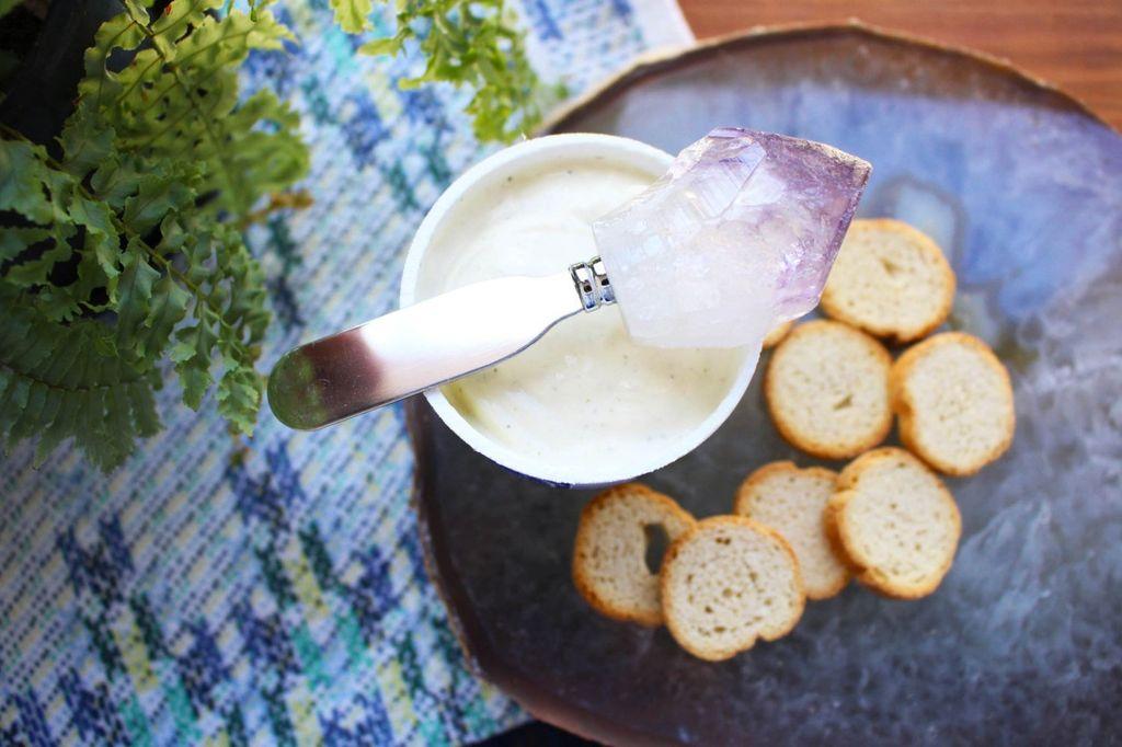 Rock Paradise Amethyst Butter Knife