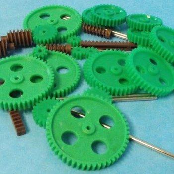 Assorted Large Plastic Motor Gears & Metal Shafts (27pcs)