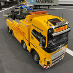 Tamiya 1/14 Volvo FH16 Globetrotter 750 8x4 Tow Truck Includes ground ship