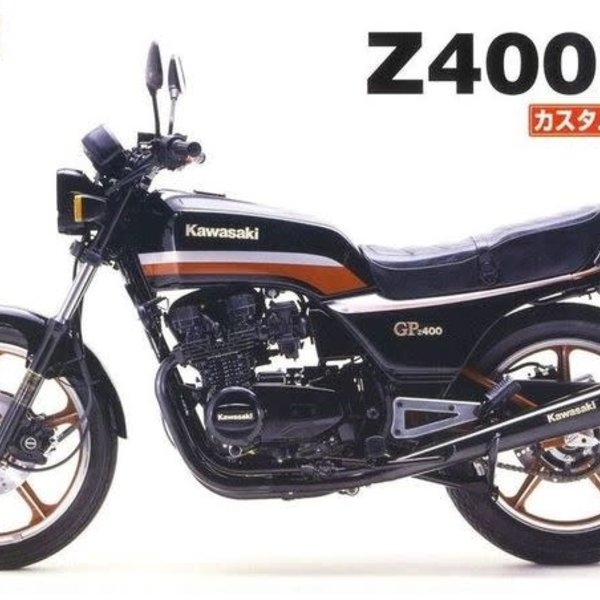 1982 Kawasaki Z400GP Motorcycle w/Custom Parts 1/12 Aoshima