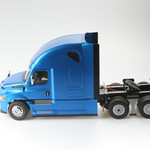 Diecast Masters 1/16th Scale Freightliner Cascadia Raised Roof Sleeper Cab