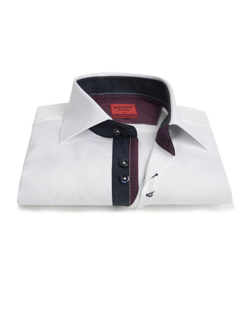XOOS Men's white Edge fitted shirt navy and burgundy patterned lining
