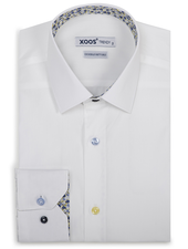 XOOS Men's white dress shirt with yellow floral lining and colored buttons