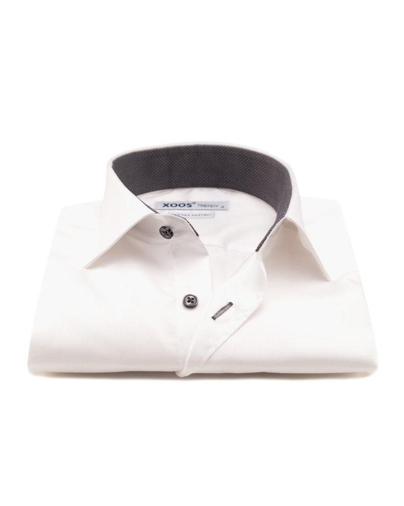 XOOS Men's white CLASSIC-FIT dress shirt and charcoal polka dots lining (Double Twisted)