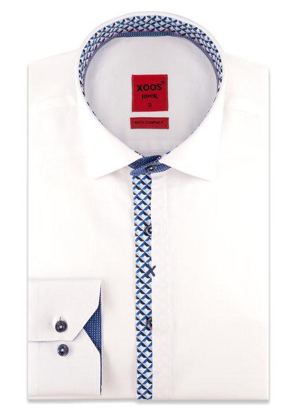 XOOS Chemise homme NON CINTRÉE blanche gorge à demi-cachée doublure bleue à motifs