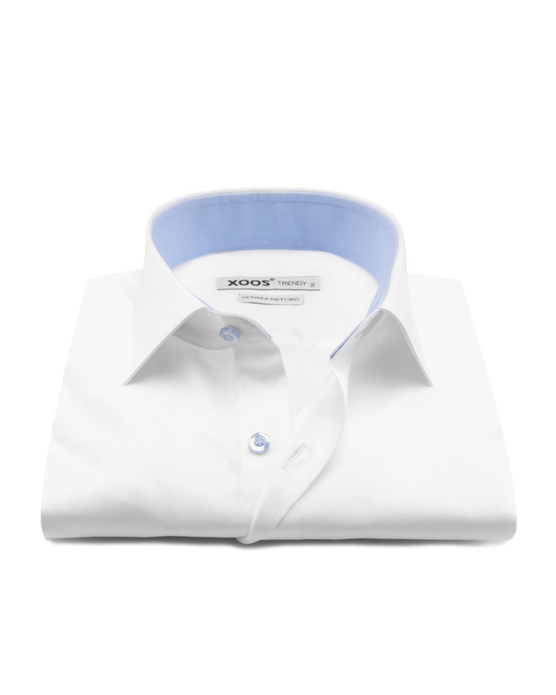 XOOS Men's white dress shirt with light blue buttons and polka dots lining (Double Twisted)