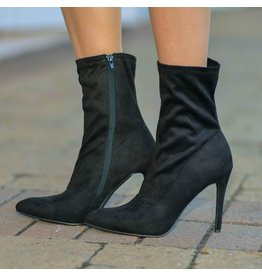 Shoes 54 Right to the Point Black Bootie