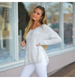 Tops 66 Snowflake Kisses Winter Sweater