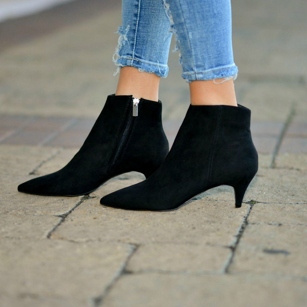 Shoes 54 Get Right To The Point Black Suede Boot