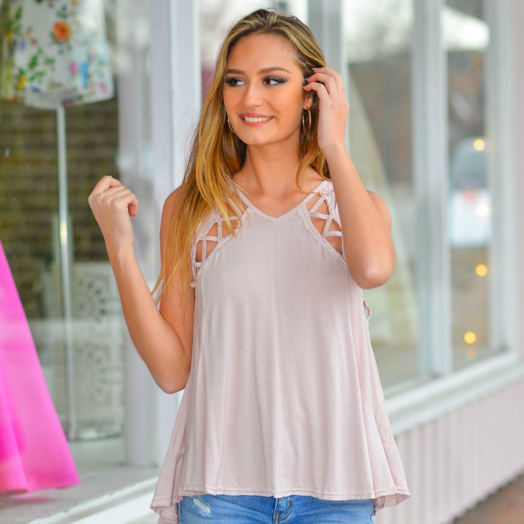 Tops 66 Blushing Details Top