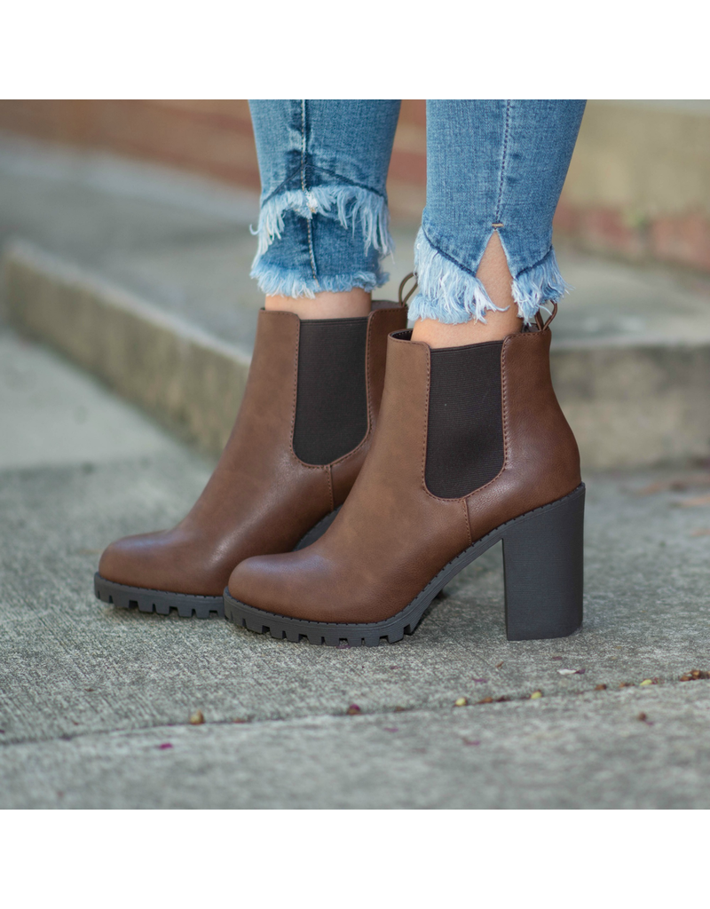 Shoes 54 High Tower Tan Lugg Heel Boots